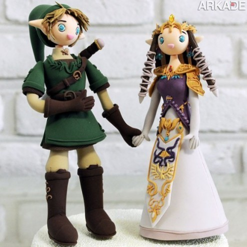The Legend of Zelda Custom Wedding Cake Topper1 Bolo de casamento gamer? Só com bonecos de Link e Zelda!
