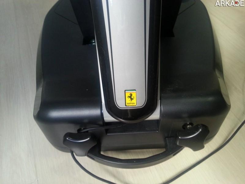 Análise - Volante Thrustmaster Ferrari Vibration GT Cockpit 458 Italia Edition