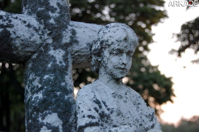 Estátua em cemitério de Centralia Conheça a história de Centralia, a Silent Hill do mundo real