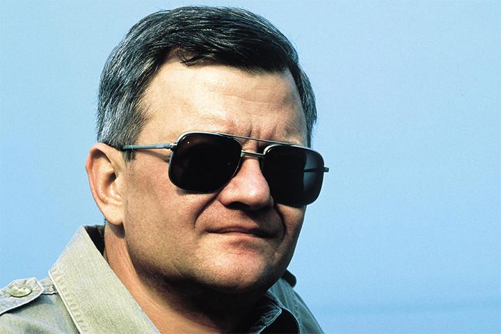 Tributo: Tom Clancy, escritor e fundador da Red Storm