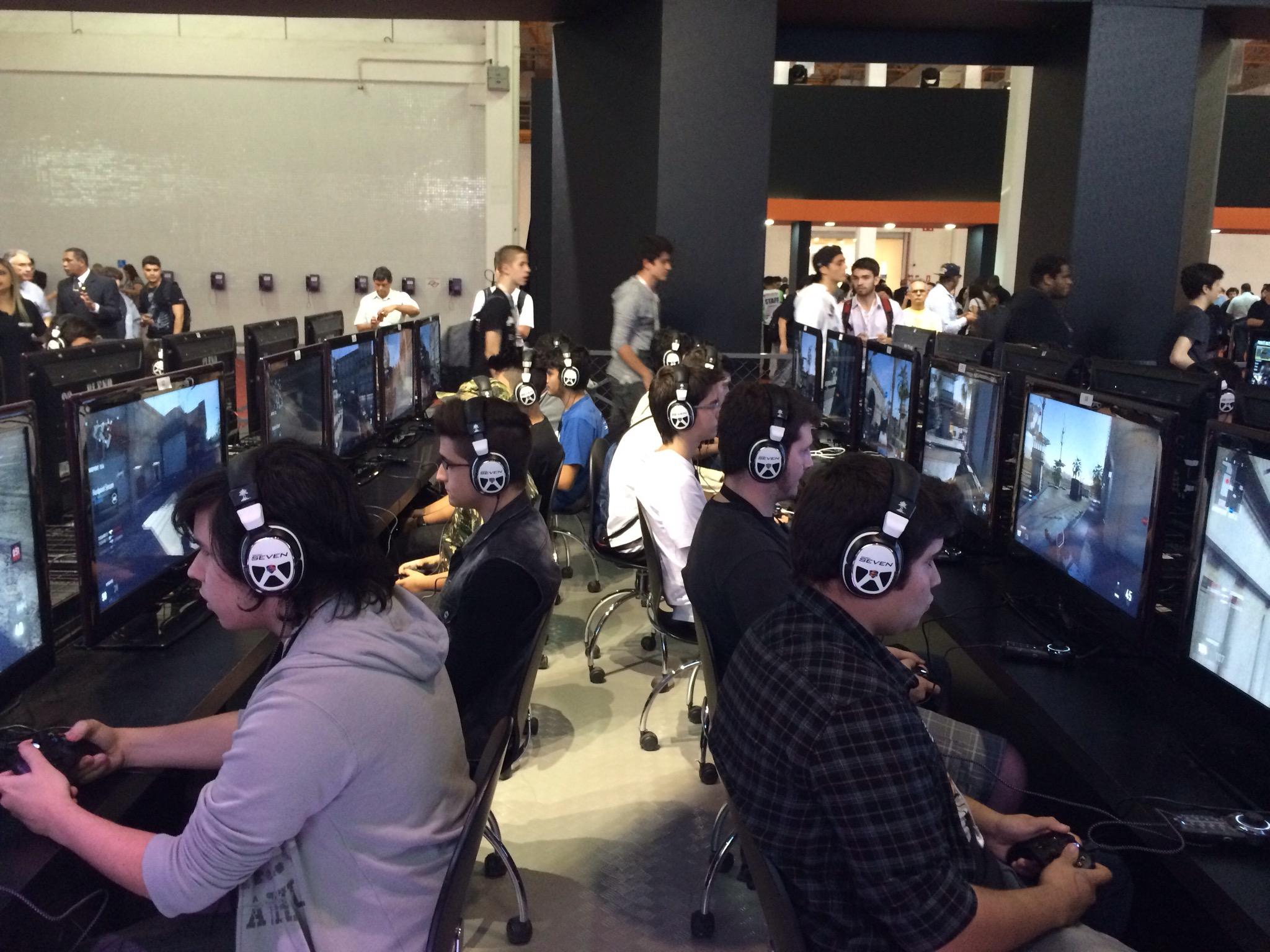 BGS 2014 - Jogamos o multiplayer de Call of Duty: Advanced Warfare e te dizemos o que achamos