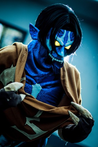 raziel_cosplay_closeup_by_videros-d839yye[1]