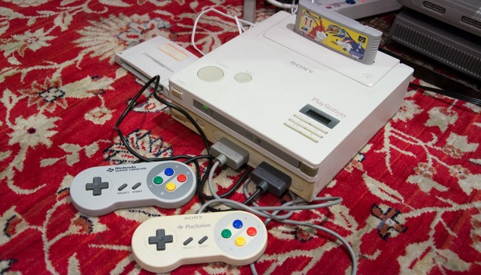 Lembra daquele protótipo do Nintendo Playstation? Pois finalmente ligaram ele.