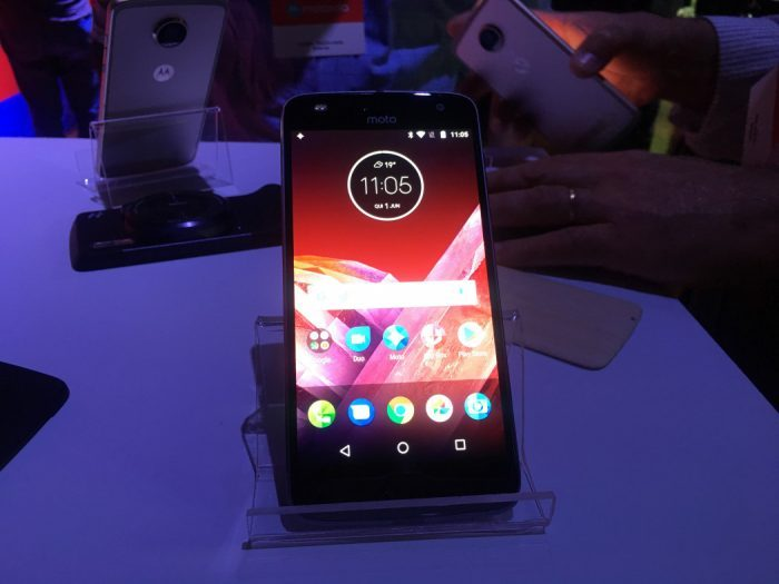 Arkade Mobile: Moto Z2 Play e o retorno dos snaps