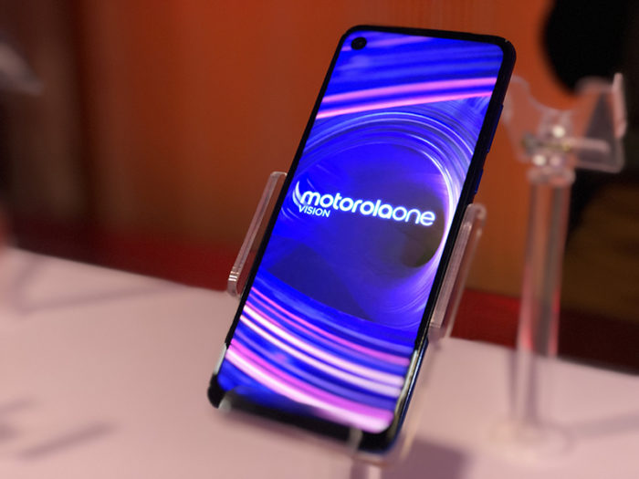 Primeiras impressões com o Motorola One Vision, o smartphone com foco em câmera e tela