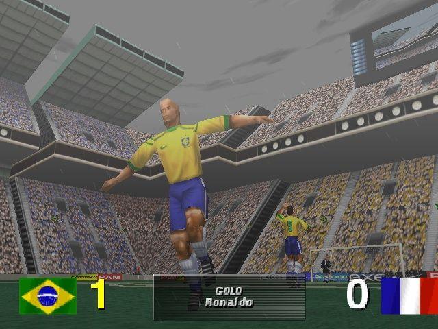 """RetroArkade - Ronaldo V-Football, o jogo """"oficial"""" do Fenômeno"""
